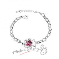 Náramek s krystaly Swarovski Elements medvídek s květinou tmavě růžovou