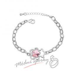 Náramek s krystaly Swarovski Elements medvídek s květinou světle růžovou