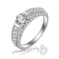 Prsten zdobený se vsazeným krystalem