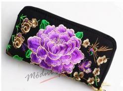Peněženka s fialovou květinou