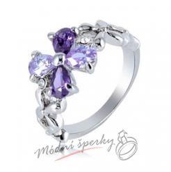 Prstýnek s fialovou květinou