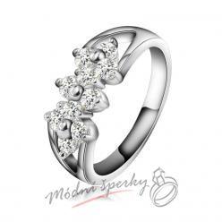 Prsten s drobnými kvítky