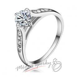 Prsten s velkým krystalem