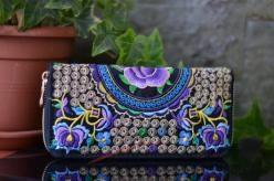 Peněženka s růží a ornamenty